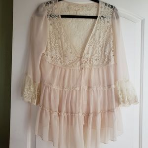 Beige Lace over top size Medium